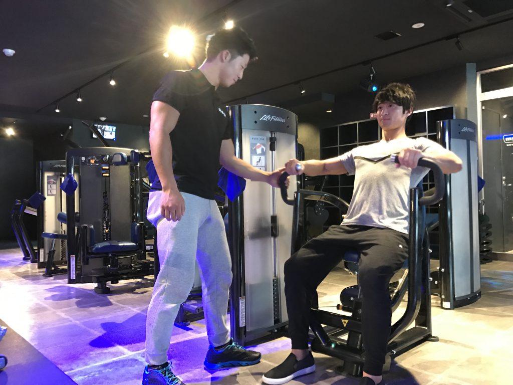 白石龍太、ライトジム新宿、パーソナルトレーニング
