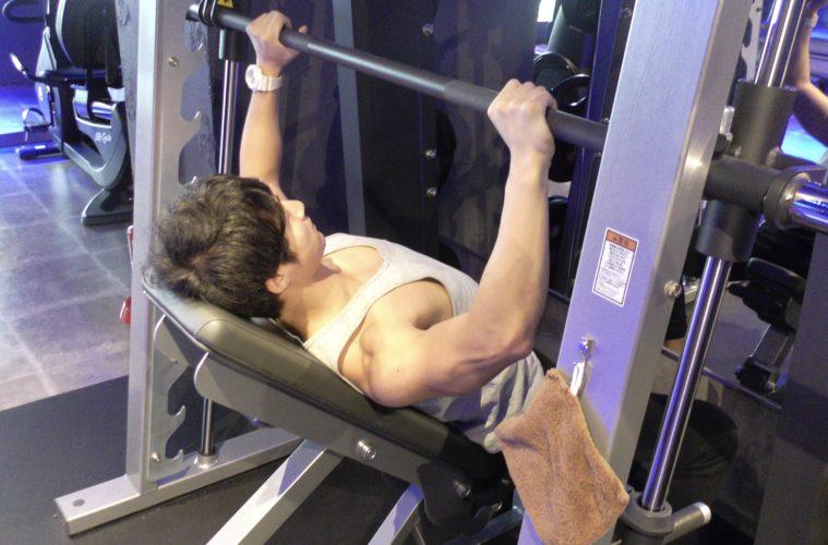 インクラインベンチプレス、筋トレ、バルクアップ、河合克訓、トレーニング、肉体改造