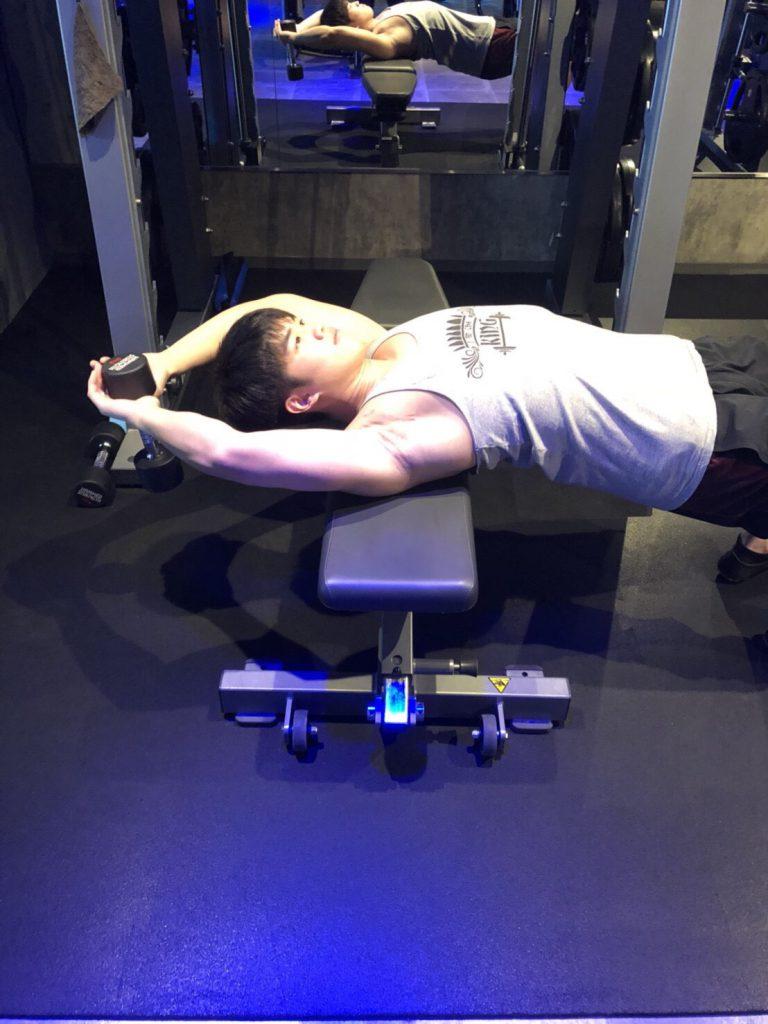 ダンベルプルオーバー、胸のトレーニング、トレーニング胸、筋トレ、トレーニング、谷口大海、ライトジム新宿、ジェクサー新宿、パーソナルトレーナー、正しいフォーム、肉体改造、大筋群、効率的なトレーニング、効果的なトレーニング